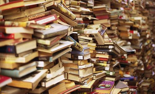 635975461622081858-1023457797_books